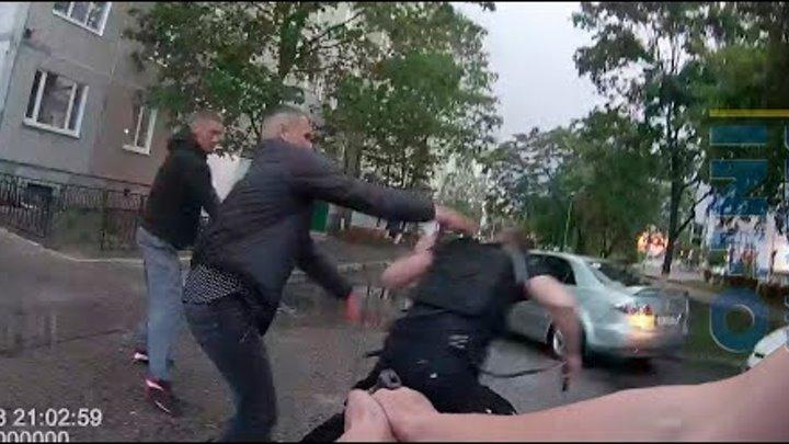 Люта бійка рівненських копів з чоловіками через підстрелену собаку (28.05.2020)