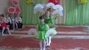 Классный танец девочек с цветами на 8 марта средняя группа