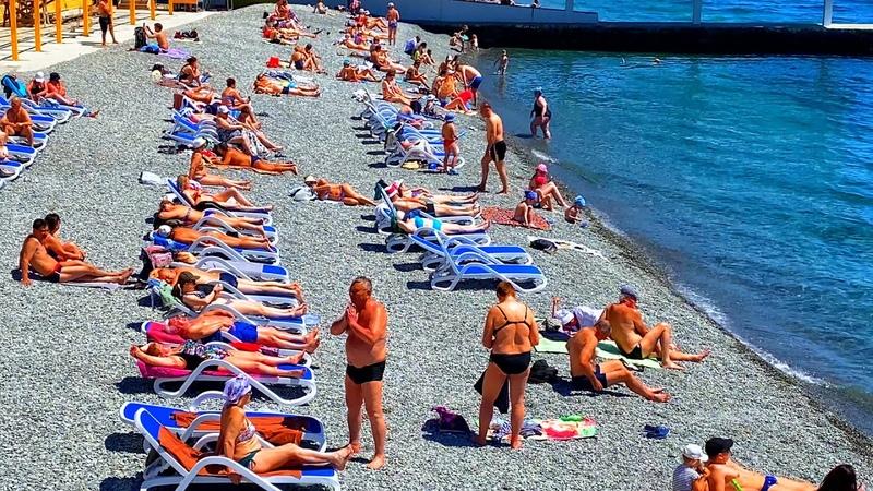Отдыхающие РВАНУЛИ на пляжи Крыма Такого сезона ещё не было Жара в ЯЛТЕ Показываю всю ПРАВДУ
