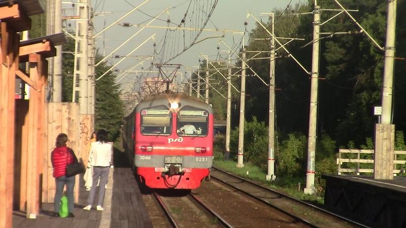 ЭД4М-0251, платформа Валентиновка