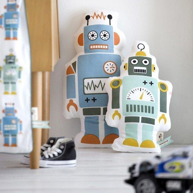 Плюшевый робот -