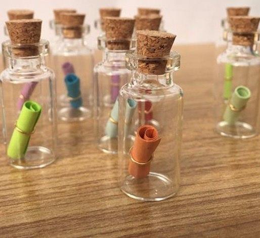 50 декоративных бутылочек -