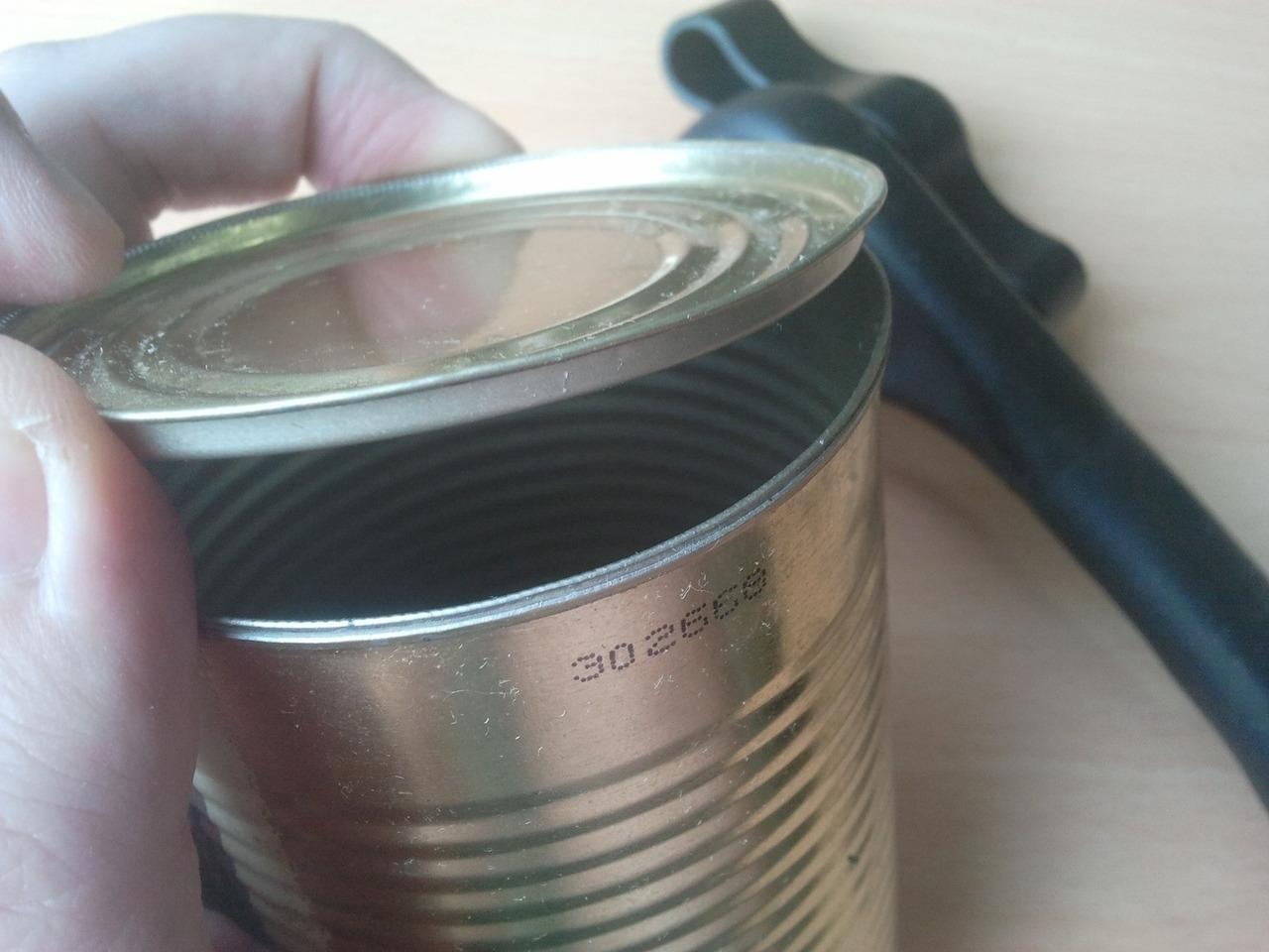 Консервная открывашка Края банки получаются не острые верхнюю часть можно использовать как крышку