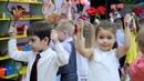 Танец с цветами на 8 марта. Младшая группа.Муз.рук.Е.Рабская.