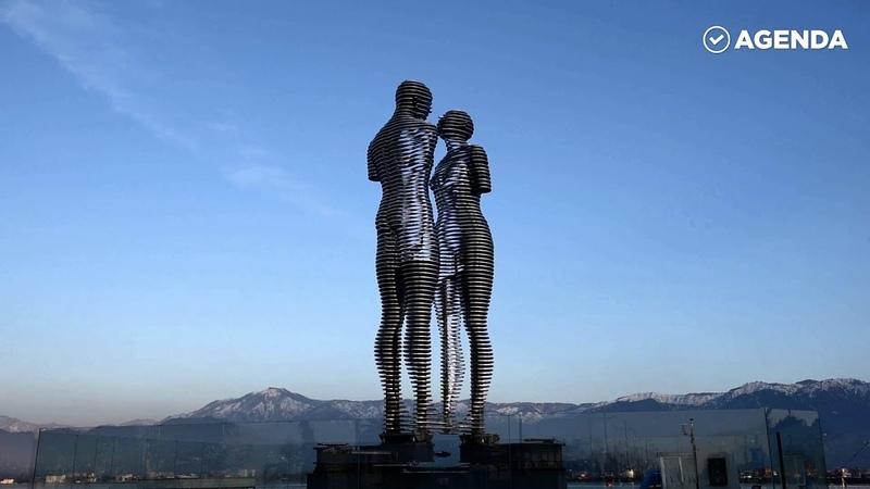 Движущиеся скульптуры в Батуми