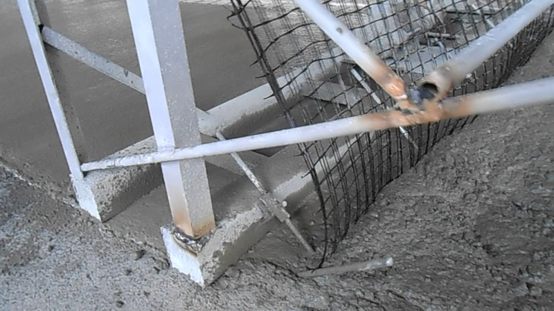 Basalt Geogrid net fabric in concrete