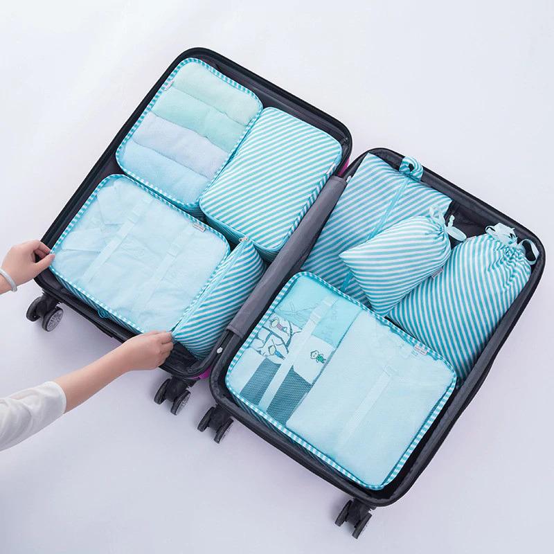 Набор органайзеров для путешествий идеально помещающийся в чемодан